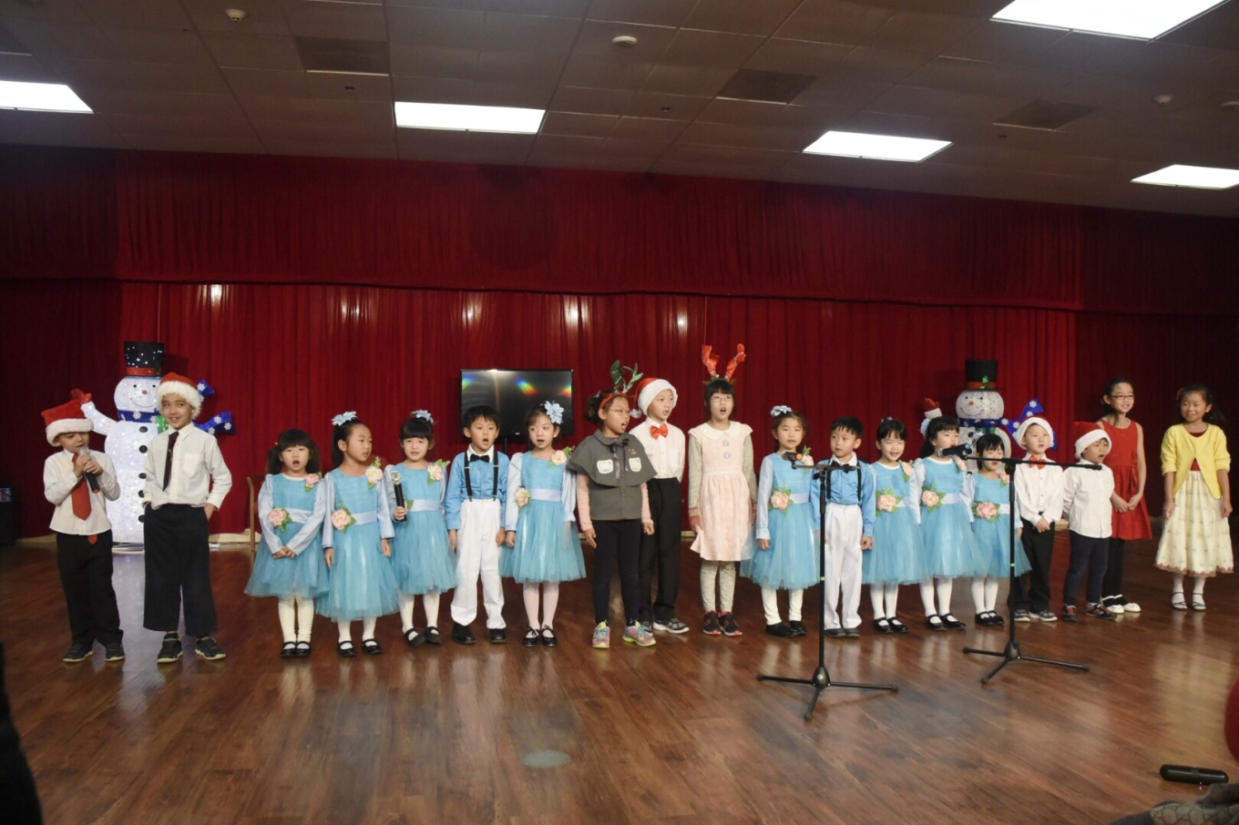 2017 Holiday Show in WorldShine and A Plus Adult Medical Care Center